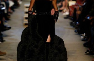 EffieMagazine.com, Givenchy, Joan Smalls, NYFW